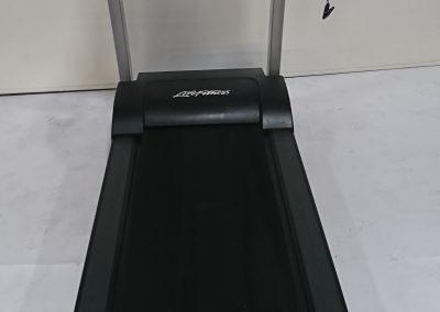 Life Fitness F3 02